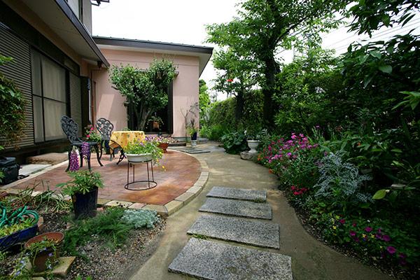 花テラスの庭